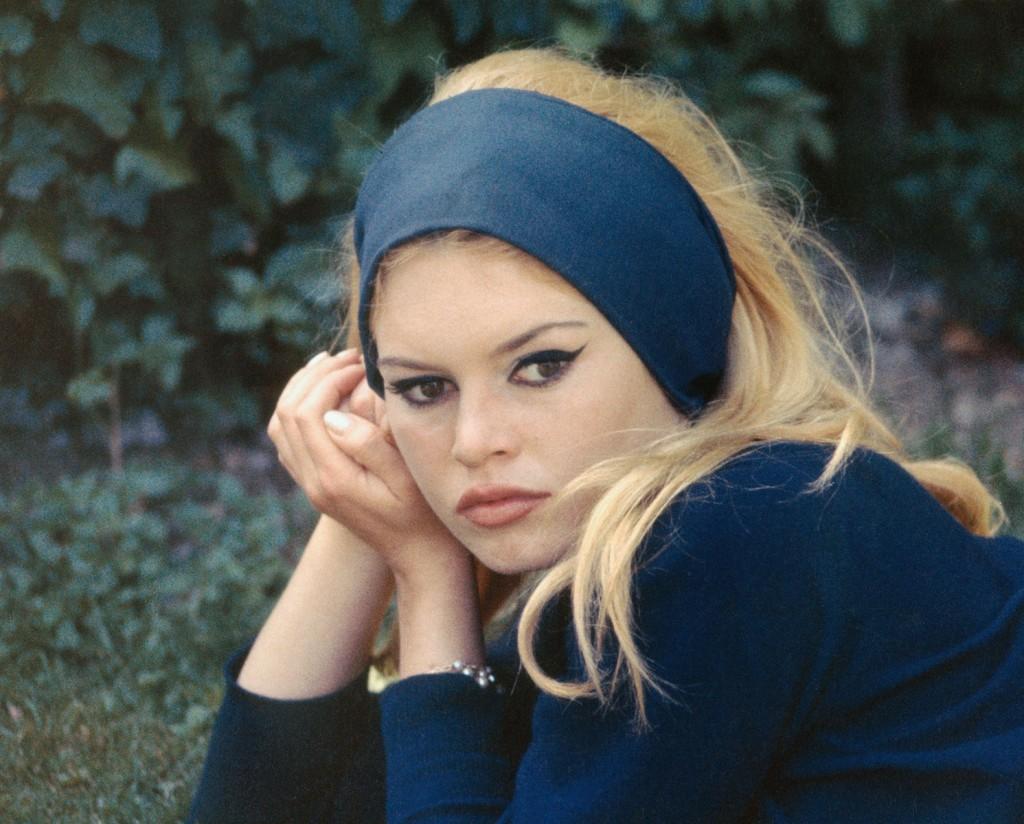 1963-01-brigitte-bardot