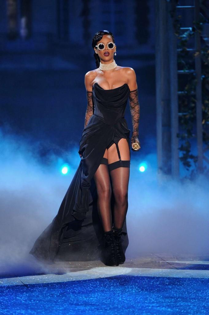 2012-victorias-secret-fashion-show-2