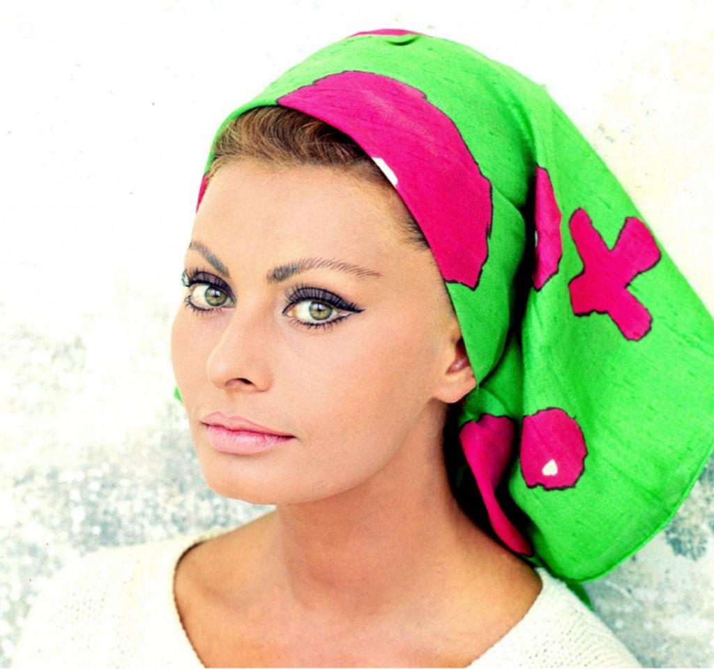 sophia-loren-headscarf-eyes-1618534294